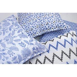 Μαξιλάρες δαπέδου σε μπλε αποχρώσεις