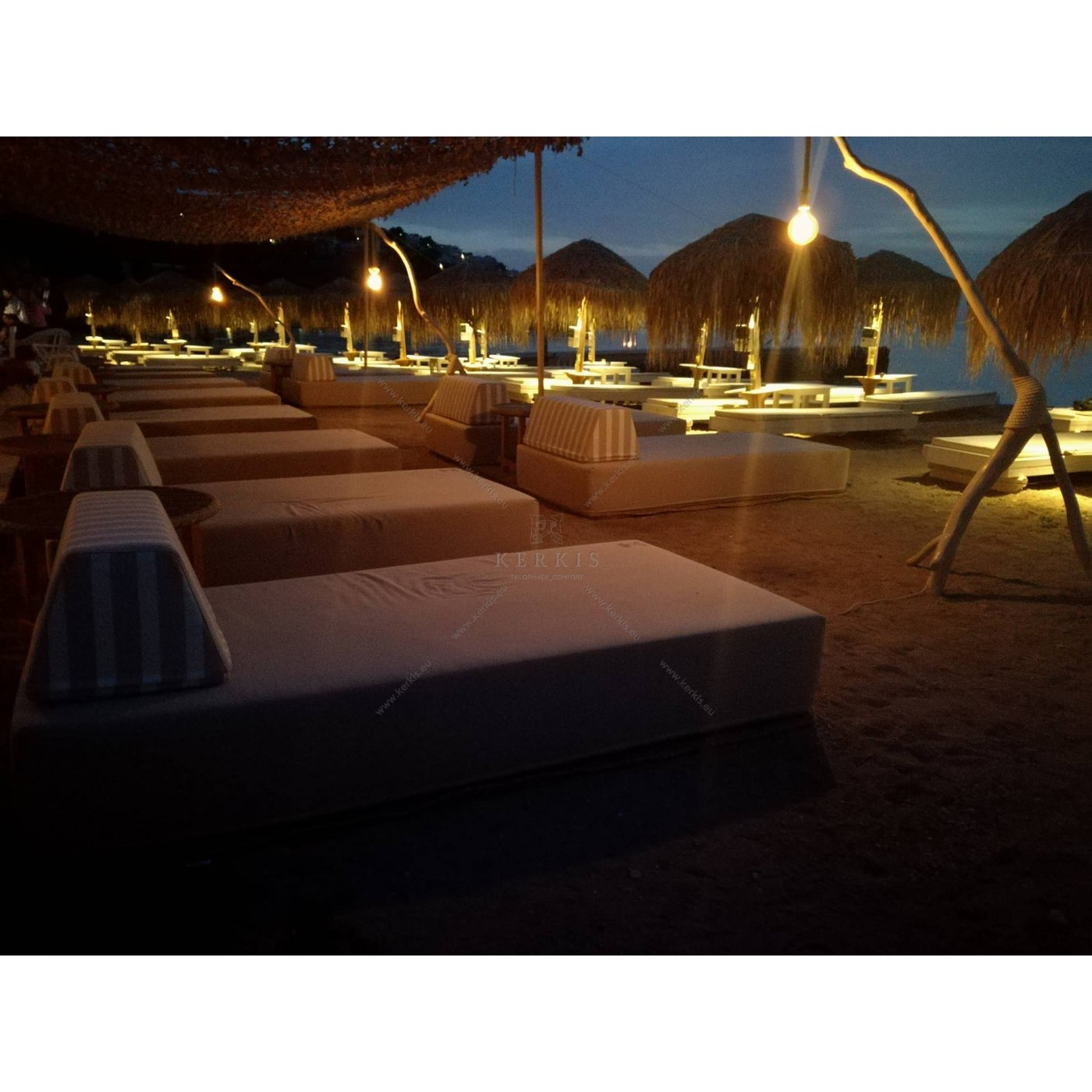 Day bed παραλίας με ειδικά υφάσματα εξωτερικών χώρων