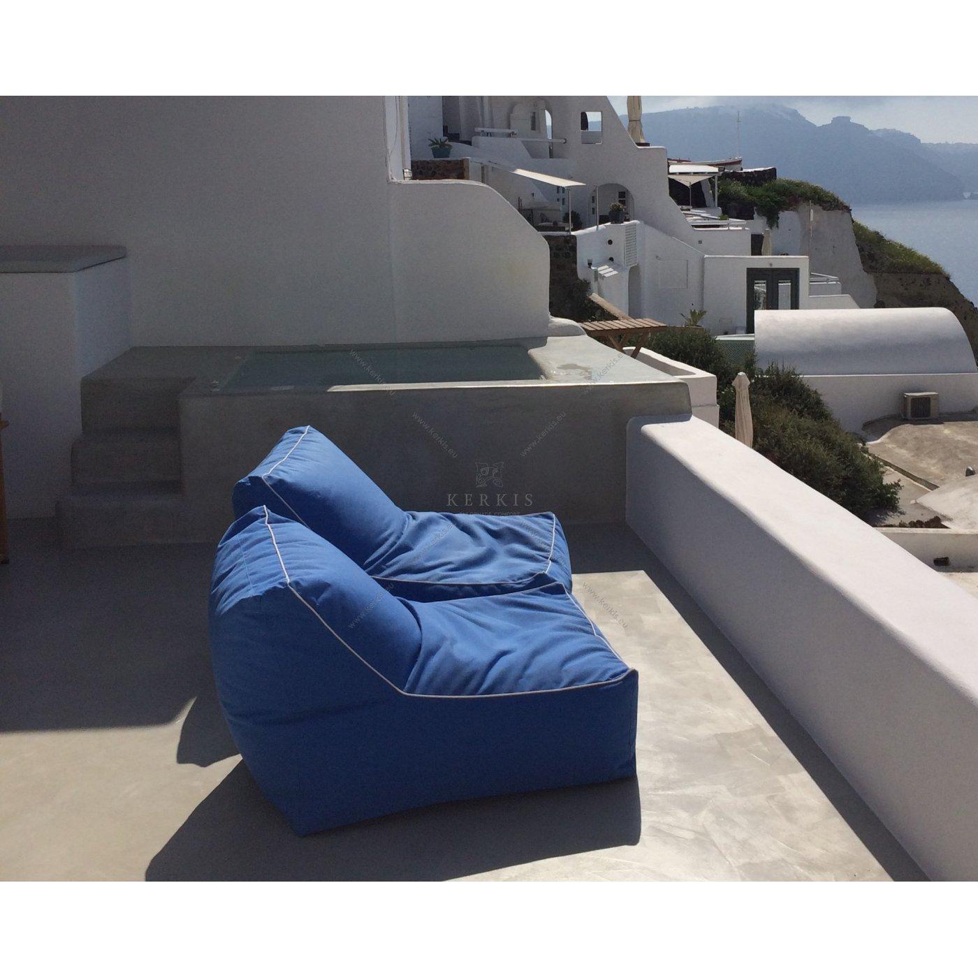 Πουφ για εξωτερικούς χώρους με ειδικά υφάσματα που δεν ξεθωριάζουν από τον ήλιο