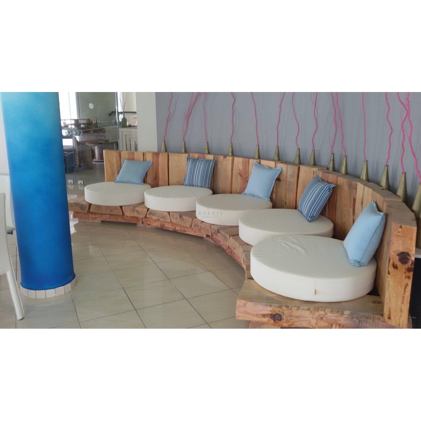 Στρογγυλά μαξιλάρια καναπέ