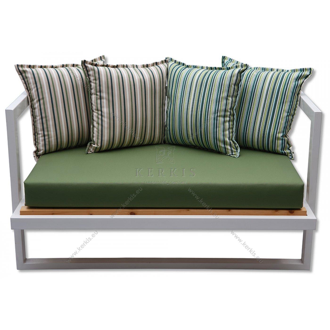 Μαξιλάρια καναπέ με υφάσματα που δεν ξεθωριάζουν από τον ήλιο