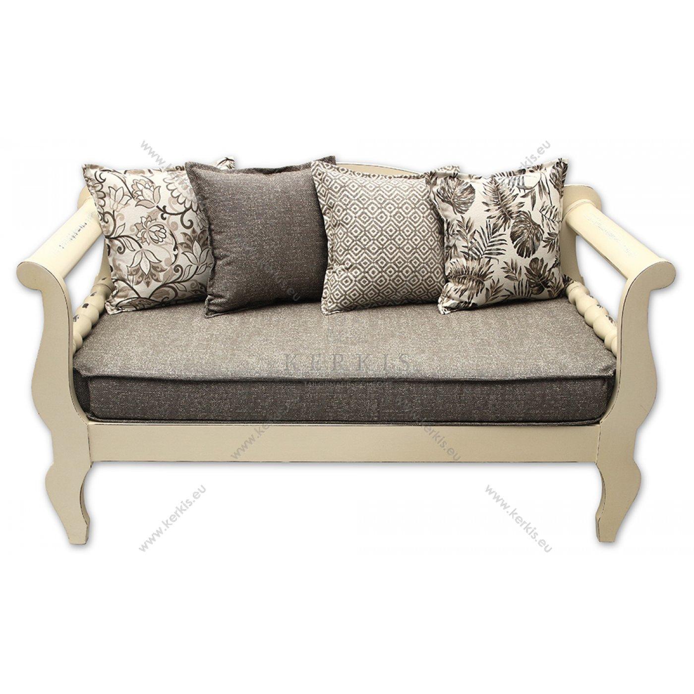 Μαξιλάρια καναπέ παραδοσιακού με διακοσμητικά μαξιλάρια